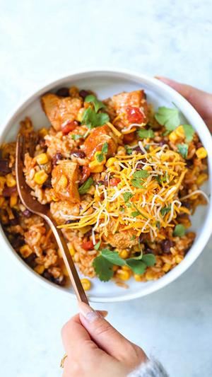 20 Minutes Instant Pot Chicken Burrito Bowls